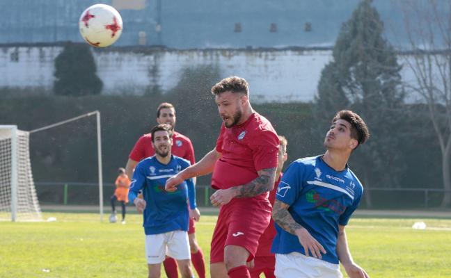 El Huétor Tájar firma un empate en el derbi ante el Maracena