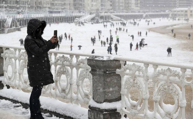 La nieve recorre el norte de España, en imágenes