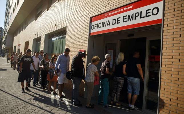 El 58 % de los españoles cree que la crisis del empleo ya ha tocado fondo