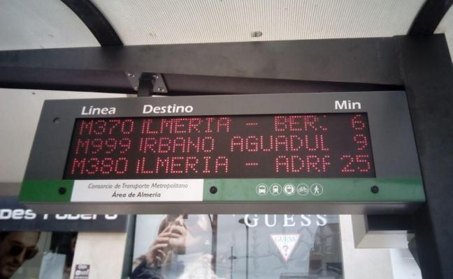 Nuevos postes para informar en tiempo real de los buses en el área metropolitana