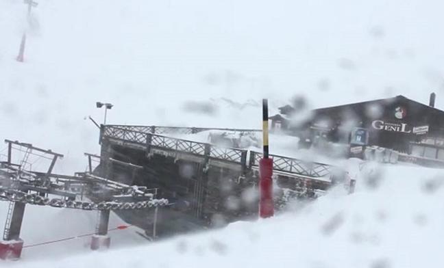 Mucho viento y nieve en Sierra Nevada
