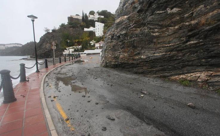 El acceso a Cotobro y a San Cristóbal, cerrado