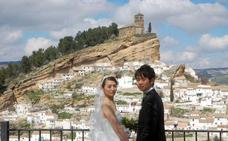 Montefrío hará descuentos a los novios que ofrezcan un licor japonés en su boda