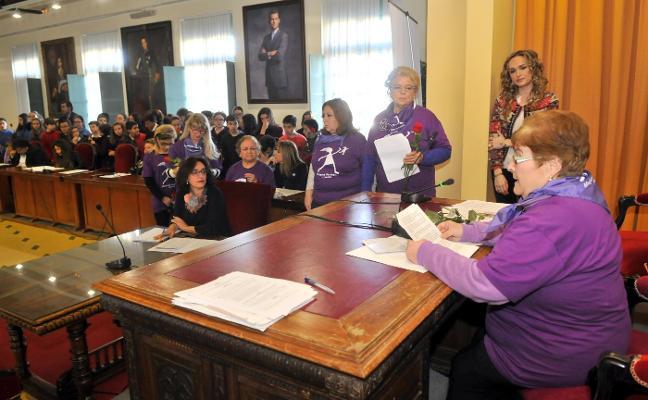 La huelga del 8 de Marzo altera los actos programados en torno a este día