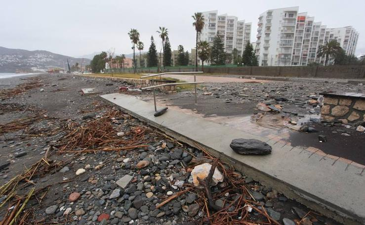 El temporal destroza las playas de la Costa Tropical