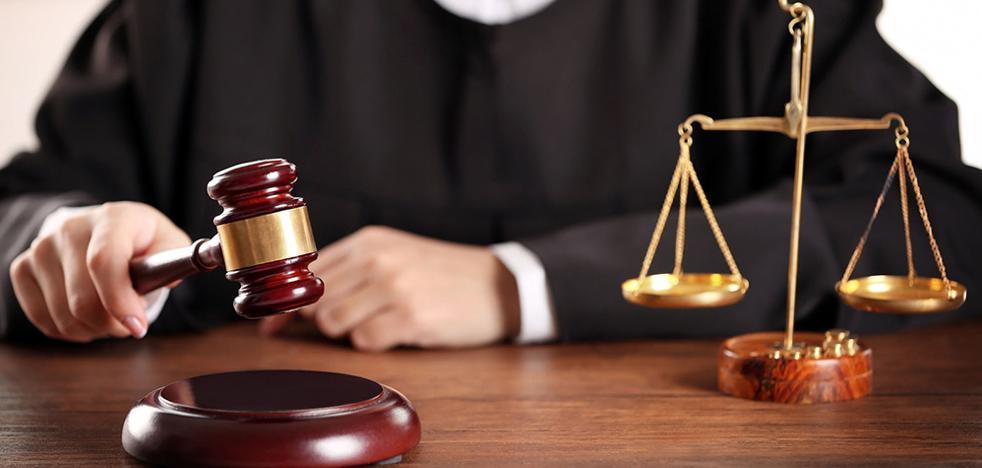 Piden 5 años de cárcel para la directora de un banco por estafar 146.000 euros a dos ancianos