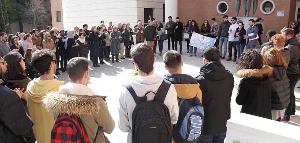 Minuto de silencio en la UJA por la muerte de un estudiante internacional