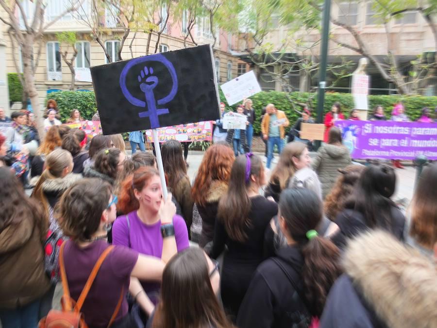 La huelga feminista llena Almería de manifestantes por la igualdad