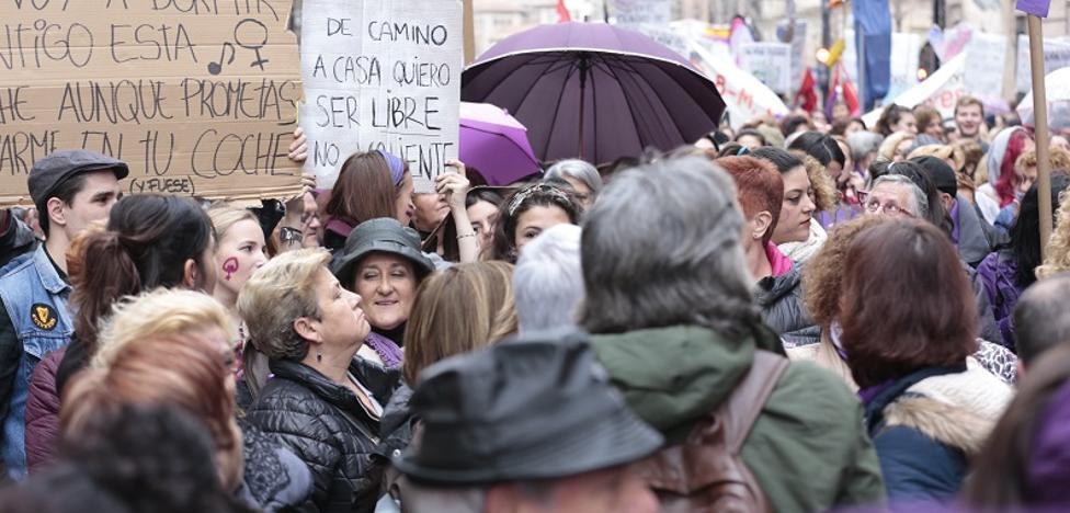 """En directo: """"Las mujeres de Granada nos hemos echado a la calle en una movillización histórica para decir hasta aquí hemos llegado"""""""