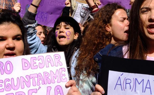 La UJA se suma a un manifiesto por la Mujer y debate su papel en el arte
