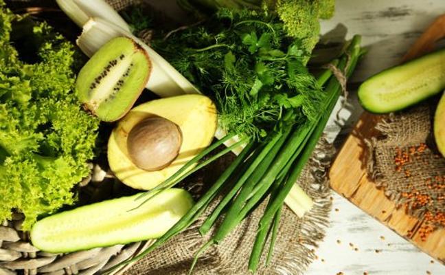 Estos son los 3 alimentos que te equilibran la flora intestinal y combaten el dolor de barriga