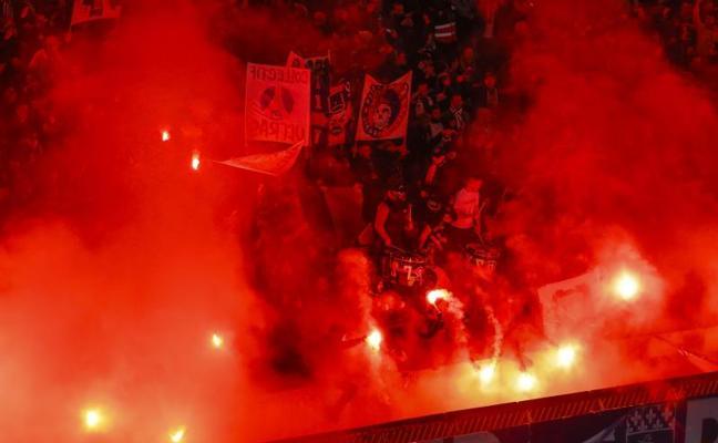 Siete ultras del PSG, sancionados sin entrar a los estadios por las bengalas
