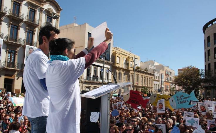 """Una marea de """"pescaítos"""" recorre Almería"""