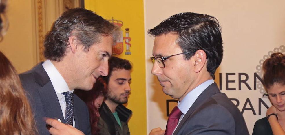El alcalde de Granada y el ministro de Fomento se reprochan por carta falta de lealtad