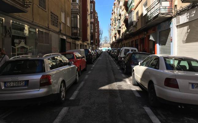 Movilidad elimina aparcamientos para facilitar el acceso en caso de emergencia