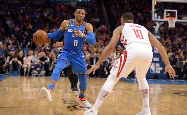Westbrook y los Thunder se entrenan ante los Suns y Abrines anota seis puntos