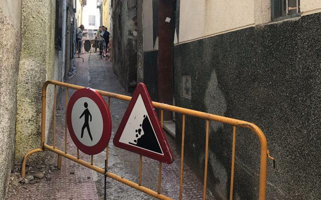 Malestar vecinal por el cierre y tapiado de la calle Vicario