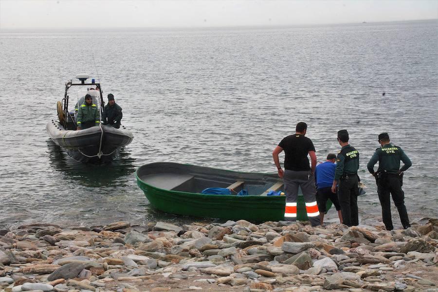 Detienen a una quincena de inmigrantes que habían llegado a una playa de Motril