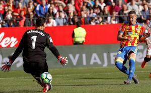 Un Valencia muy efectivo da un paso de gigante hacia la 'Champions'