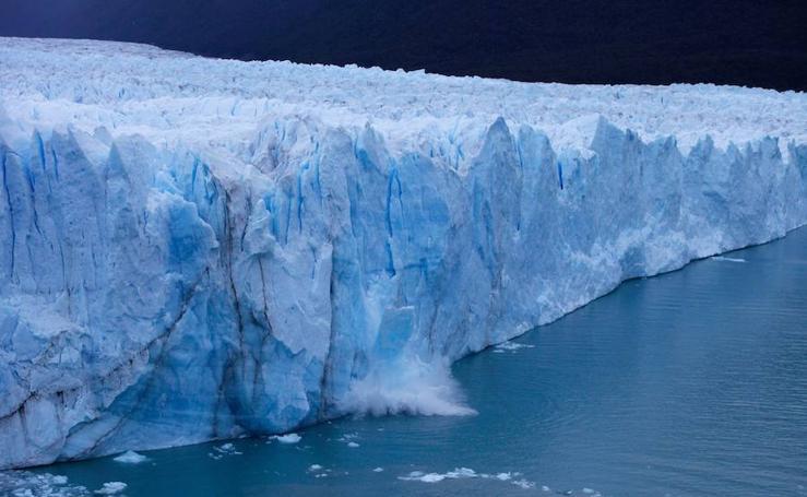 Se inicia la imponente ruptura de hielo del glaciar de Argentina