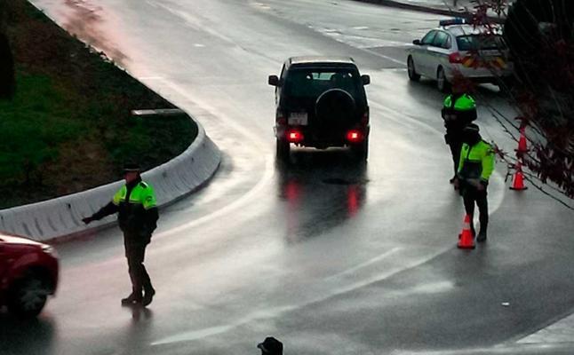 Detenido en Atarfe un conductor sin carné e investigado por una presunta agresión sexual a menores