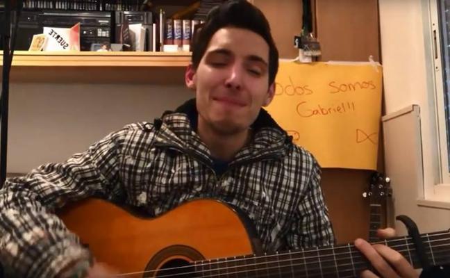 El almeriense Manu García dedica una composición musical a Gabriel