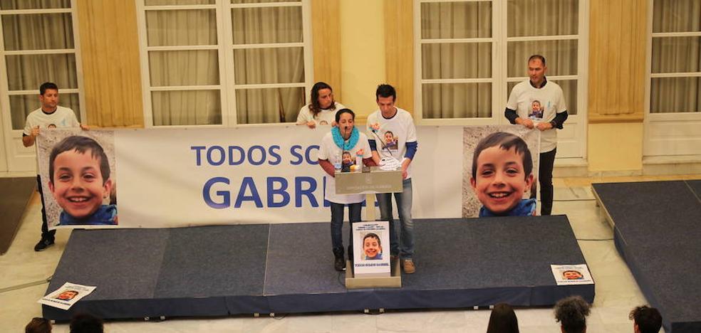 El Ayuntamiento de Almería convoca un pleno urgente por la muerte de Gabriel