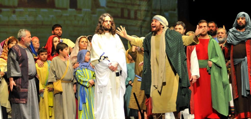 Un año más, 'Relatos de Pasión' emociona al público en el Teatro Cervantes