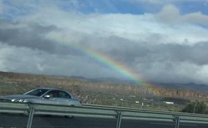 Las bellas imágenes del principio del arcoíris en la provincia de Granada
