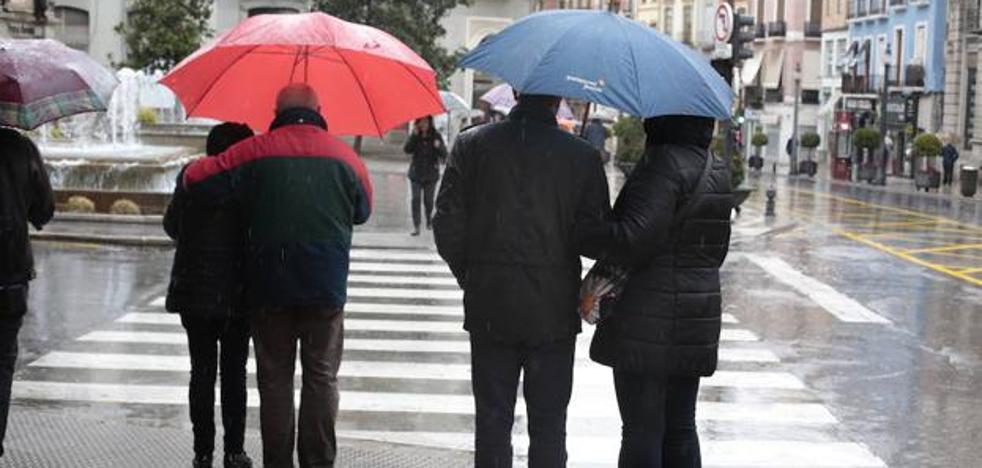 La AEMET alerta de la lluvia que nos queda por delante: ¿hasta cuándo seguirán las precipitaciones?