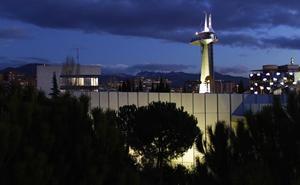 Diseñan en la UGR un nuevo sistema de señalización luminosa para edificios altos o torres que afectan al tráfico aéreo