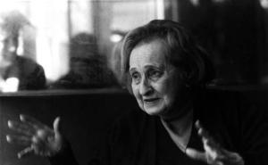 20 años de la muerte de Elena Martín Vivaldi, la poeta de Granada