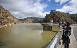"""La Junta aplaza la declaración de sequía a otoño por la """"mejora notable"""" de las cuencas"""