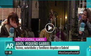 El llanto desconsolado de una reportera de Telecinco en directo en el funeral de Gabriel