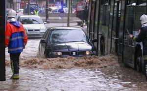 Los meteorólogos avisan: mínimo otros 6 días sin parar de llover en Granada