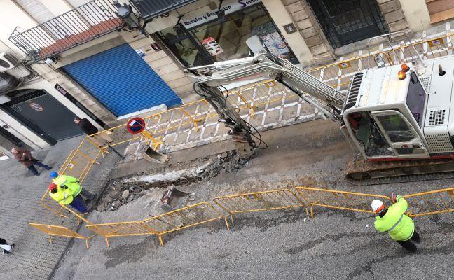Se reanudan las obras tras el parón en la calle Carrera de Jesús hasta Semana Santa