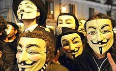 Un menor que usaba la careta de 'Anonymous' para robar se fuga tras sembrar mucha alarma social