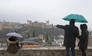 Lluvia a mansalva en Granada varios días aunque ya se vislumbra la llegada del sol