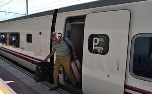 El Senado pide al Gobierno adoptar medidas para mejorar la conexión por ferrocarril de Almería