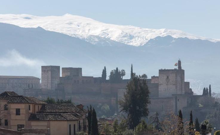 Las impresionantes imágenes de Granada vista desde el mirador de San Cristóbal