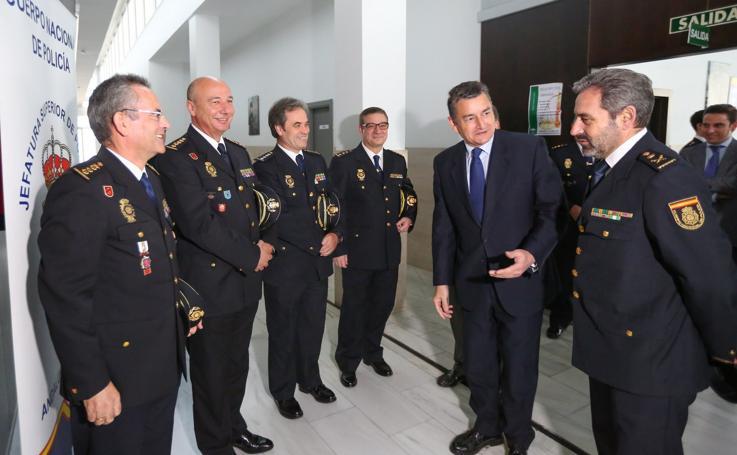Jesús Redondo toma posesión oficial de su cargo como Jefe Superior de Policía de Andalucía Oriental