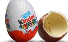 Tres niños se comen un huevo kinder lleno de hachís creyendo que eran golosinas en su colegio