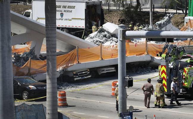 Varios muertos en Miami al hundirse un puente para peatones sobre una carretera