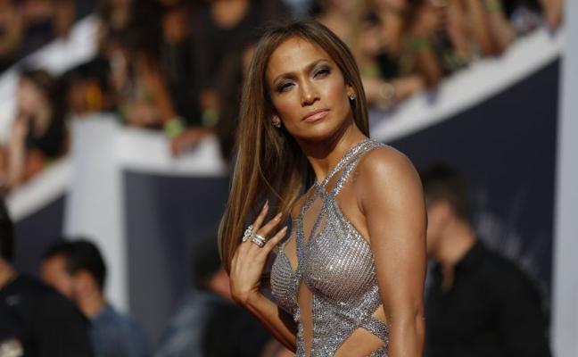 """""""Estaba aterrada"""": Jennifer López denuncia que un director le obligó a enseñar los pechos"""