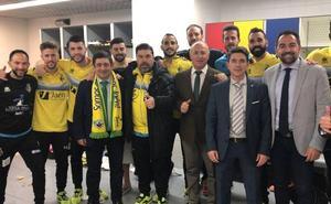 El presidente de la Diputación felicita al Jaén Paraíso Interior Fútbol Sala por alcanzar la final de la Copa de España