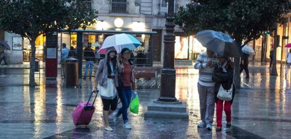 Granada, en aviso por lluvia, nieve, fenómenos costeros y fuertes rachas de viento de hasta 90 kilómetros por hora