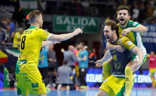 """Reyes destaca el """"gran mérito"""" del Jaén Paraíso Interior por ganar su segunda Copa de España"""