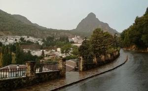 Buscan a dos senderistas desaparecidos en la Garganta Verde de la Sierra de Grazalema