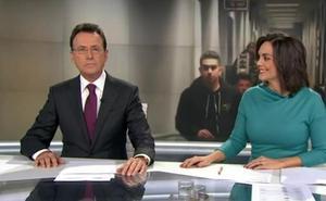 Matías Prats sorprende rapeando en pleno directo de los informativos de Antena 3