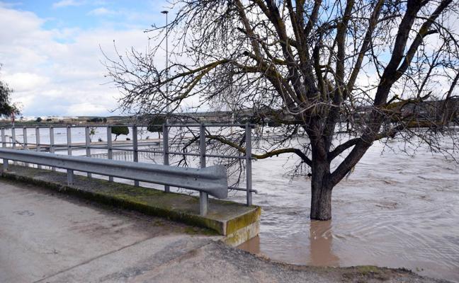 La Diputación de Granada exige a la CHG coordinación para evitar poner en riesgo la seguridad de las personas
